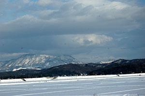 冬の尾神岳