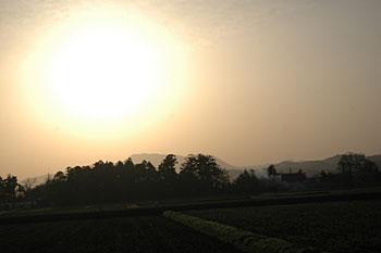 早朝の尾神岳