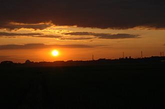 潟からの夕陽